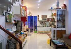 Bán nhà , Ô tô vào nhà Phạm Văn Đồng 72m2 (3 tầng) giá 6.7 tỷ LH 0989927989