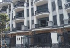 Cho thuê nhà nguyên căn KDC Vạn Phúc DT : 7x20m Giá 40tr/ tháng