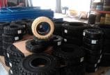 sử dụng lốp xe nâng nào hiệu quả cho công việc chạy 2 ca liền tục