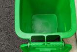 Thùng rác nhựa 30L có bánh xe